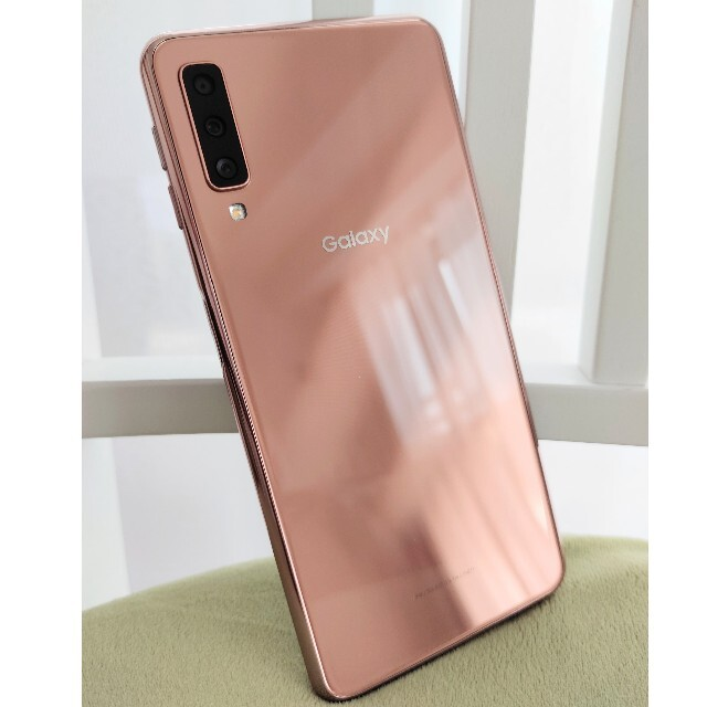 Galaxy(ギャラクシー)の【オギオギ様専用】Galaxy A7 ゴールド SIMフリー スマホ/家電/カメラのスマートフォン/携帯電話(スマートフォン本体)の商品写真
