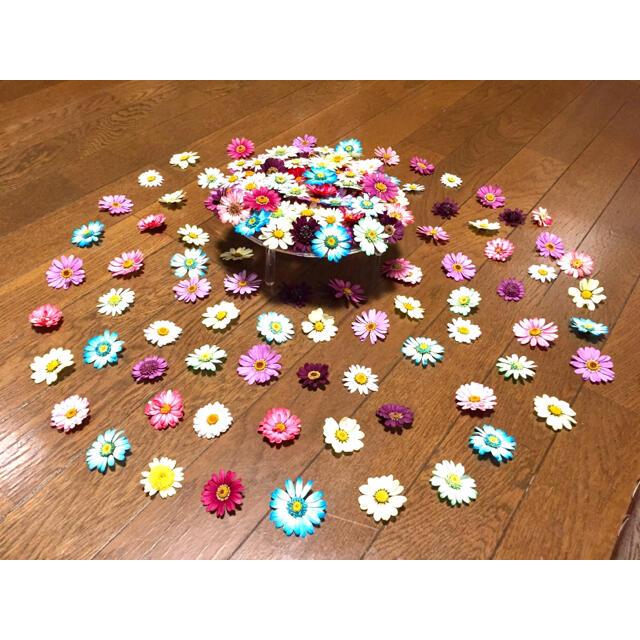 銀の紫陽花が作った可愛いマーガレットのドライフラワー山盛り50冠‼️ ハンドメイドのフラワー/ガーデン(ドライフラワー)の商品写真