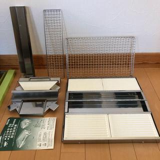 ユニフレーム(UNIFLAME)の廃盤ユニセラTG+廃盤エンボス鉄板+収納ケース付き(ストーブ/コンロ)