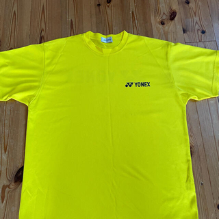 ヨネックス(YONEX)のヨネックスTシャツ 黄色 Mサイズ(ウェア)