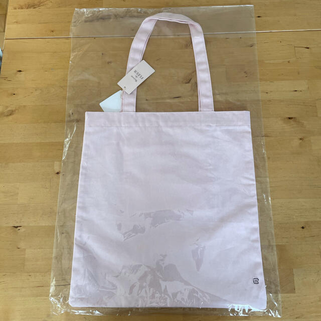 Maison de FLEUR(メゾンドフルール)のダリアフォトプリントトートバッグ レディースのバッグ(トートバッグ)の商品写真