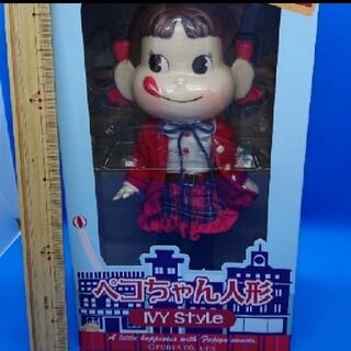 不二家 - ペコちゃん人形とペコちゃんの紙袋