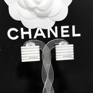 CHANEL - 正規品 シャネル イヤリング シルバー スクエア 銀 ボーダー アルファベット