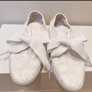adidas - adidas リレースローリボンスニーカー 白ホワイトアディダス花柄 23cm春