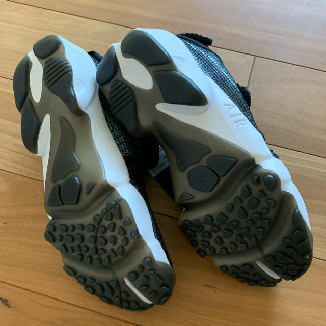 NIKE(ナイキ)のNIKEエアリフト 25cm ブラック 未使用タグ付 レディースの靴/シューズ(スニーカー)の商品写真