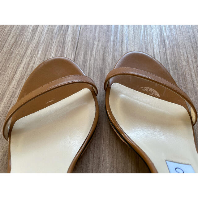 JIMMY CHOO(ジミーチュウ)のJimmy Choo ジミーチュー ストラップサンダル 着画あり レディースの靴/シューズ(サンダル)の商品写真
