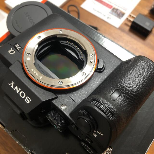 SONY(ソニー)のSony a7III ILCE-7M3 保証書未使用 ショット数2788枚 スマホ/家電/カメラのカメラ(ミラーレス一眼)の商品写真