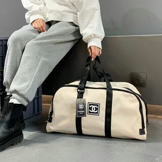 CHANEL - ✲シャネル ノベルティ 白色 ボストンバッグ