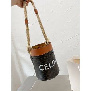 セリーヌ(celine)のすでに最安値Celine ショルダーバッグ   素敵なお品です  19/24cm(その他)