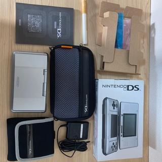 ニンテンドーDS(ニンテンドーDS)のニンテンドーDS本体 ポーチ付(携帯用ゲーム機本体)