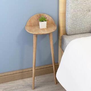 北欧は壁際にある木製のベッドサイドのテーブル廊下通路の棚小さなテーブル(ローテーブル)