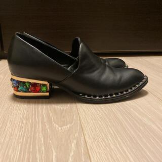 ジェフリーキャンベル(JEFFREY CAMPBELL)の【ジェフリーキャンベル】ビジューシューズ(ローファー/革靴)