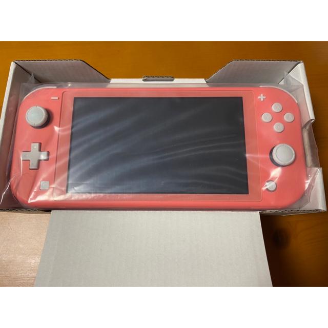 Nintendo Switch(ニンテンドースイッチ)のNintendo Switch light コーラル エンタメ/ホビーのゲームソフト/ゲーム機本体(携帯用ゲーム機本体)の商品写真