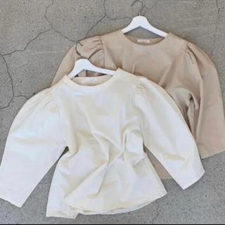 Kastane - lawgy shoulder puff blouse