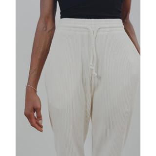 ビューティアンドユースユナイテッドアローズ(BEAUTY&YOUTH UNITED ARROWS)のBaserange Sweat Pants - Rib off white(カジュアルパンツ)