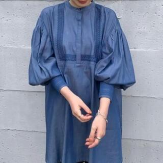 カスタネ(Kastane)のコットン刺繍カフタンチュニック(ブルー)(シャツ/ブラウス(長袖/七分))