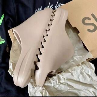 アディダス(adidas)のadidas YEEZY SLIDE PURE ADULTS 27.5cm(サンダル)