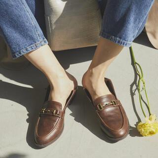 ミラオーウェン(Mila Owen)のRANDEBOO ローファーL MilaOwen ベルト ブラック(ローファー/革靴)