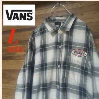 ヴァンズ(VANS)のVANS バンズ ワッペン付き 長袖 チェック柄シャツ (シャツ)