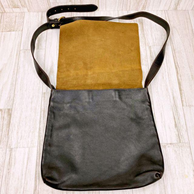 IL BISONTE(イルビゾンテ)のイルビゾンテ IL BISONTE ショルダーバッグ レザー ダークブラウン メンズのバッグ(ショルダーバッグ)の商品写真