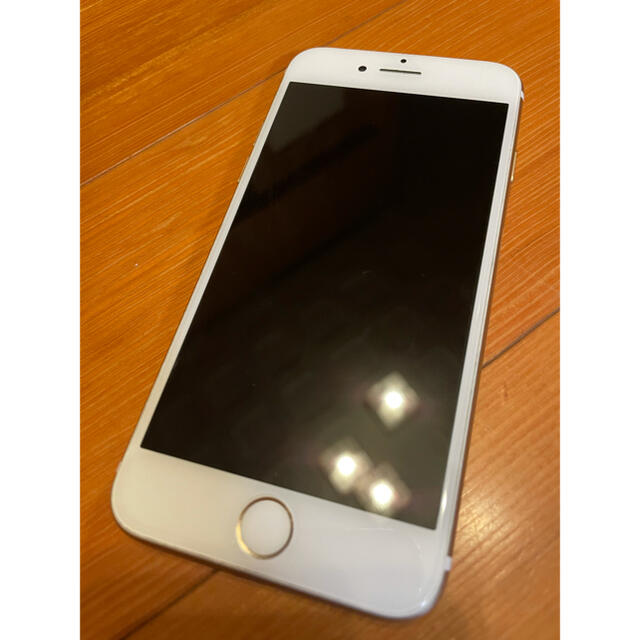Apple(アップル)の【故障なし】iPhone7(128GB・ゴールド) スマホ/家電/カメラのスマートフォン/携帯電話(スマートフォン本体)の商品写真