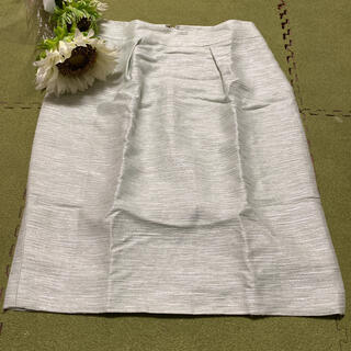 エポカ(EPOCA)の15日限定!最終価格!エポカ☆素敵な薄グリーン色のラメ入りスカート(ひざ丈スカート)