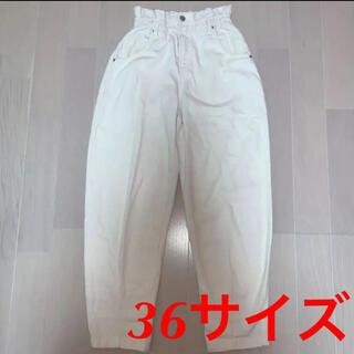 ベルシュカ(Bershka)のBershka ホワイト パンツ(デニム/ジーンズ)