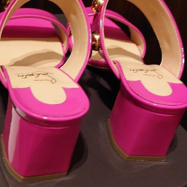 Christian Louboutin(クリスチャンルブタン)のクリスチャン・ルブタン サンダル👠 レディースの靴/シューズ(サンダル)の商品写真