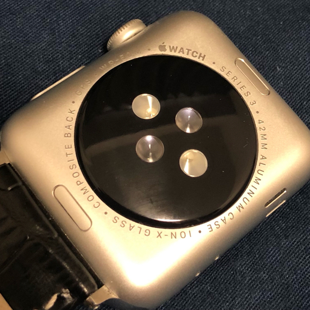 Apple Watch(アップルウォッチ)の期間限定 Apple Watch 3 42mm silver aluminum メンズの時計(腕時計(デジタル))の商品写真