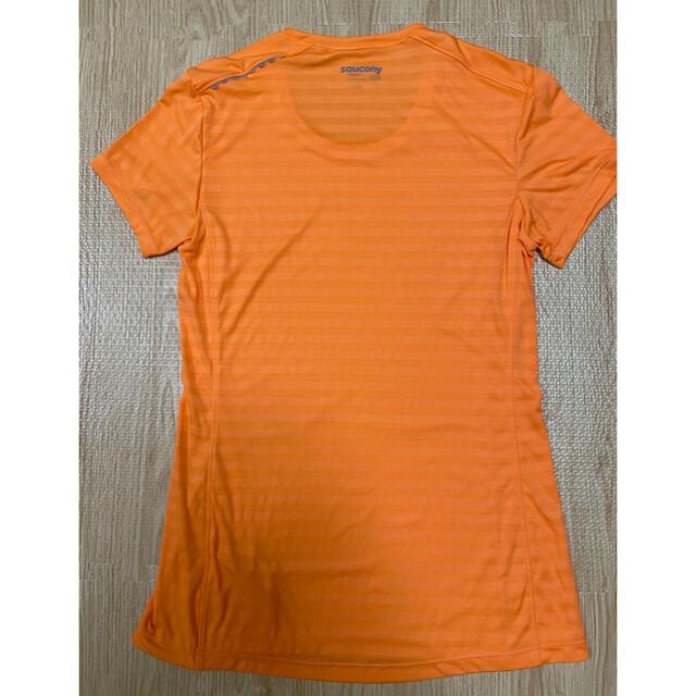 SAUCONY(サッカニー)のSauconyサッカニーレディースTシャツ スポーツ/アウトドアのランニング(ウェア)の商品写真