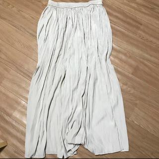 ユニクロ(UNIQLO)のUNIQLO ワッシャーサテンスカートパンツ L(カジュアルパンツ)