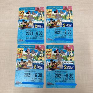 ディズニー(Disney)のディズニーリゾートライン 2DAY PASS 4枚セット(遊園地/テーマパーク)