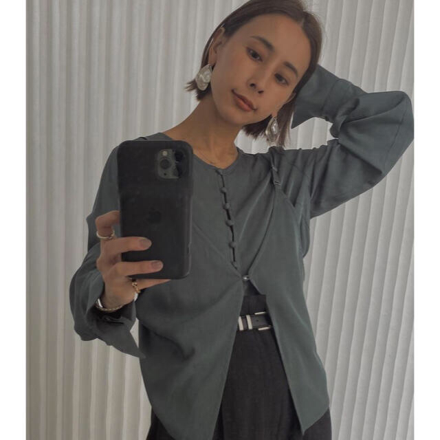 Ameri VINTAGE(アメリヴィンテージ)の【Ameri VINTAGE】BUSTIER LAYERED SHIRT レディースのトップス(シャツ/ブラウス(長袖/七分))の商品写真