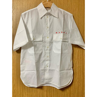 マルニ(Marni)の新品 マルニ ロゴプリント シャツ 白 オーバーサイズ ポプリンシャツ(シャツ/ブラウス(半袖/袖なし))
