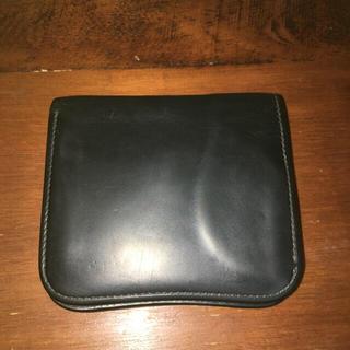 ホワイトハウスコックス(WHITEHOUSE COX)のワイルドスワンズ 旧ロゴ 二つ折り財布(黒)(折り財布)