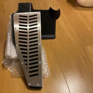 アウディ(AUDI)のアウディQ3(8U)用Gspeedオリジナルアルミフットレスト(車内アクセサリ)