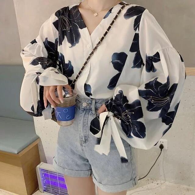 ZARA(ザラ)の花柄ブラウス レディースのトップス(シャツ/ブラウス(長袖/七分))の商品写真