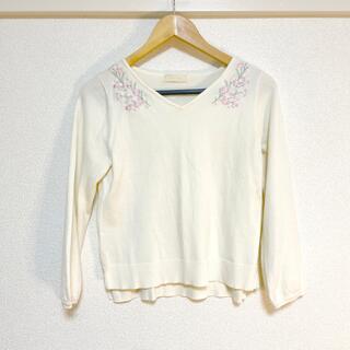 エニィスィス(anySiS)のanySiS onward ニット 花刺繍(ニット/セーター)