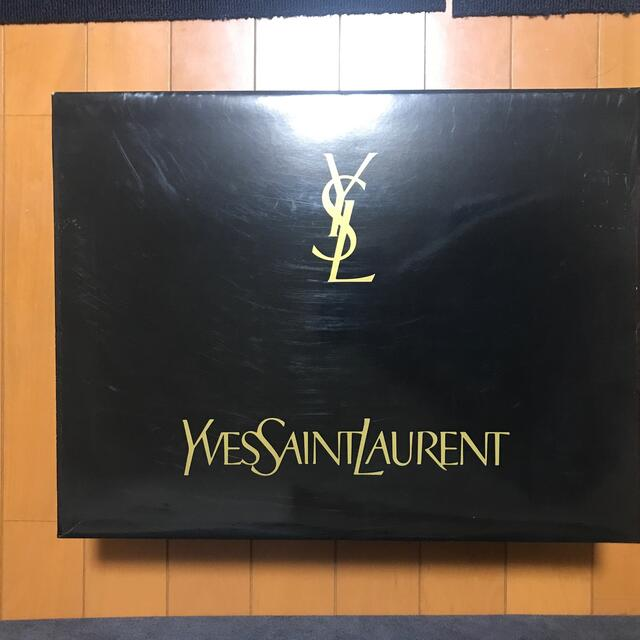 Yves Saint Laurent Beaute(イヴサンローランボーテ)のイブサンローラン 毛布  インテリア/住まい/日用品の寝具(毛布)の商品写真