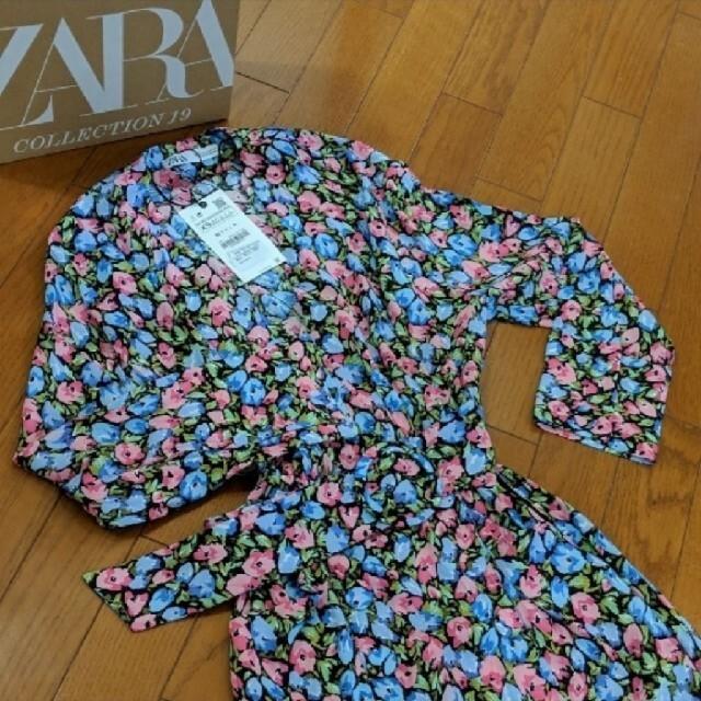 ZARA(ザラ)のZARA◇リボンベルト付きフラワープリント🌼*・ロングスリットワンピース◇美品 レディースのワンピース(ロングワンピース/マキシワンピース)の商品写真