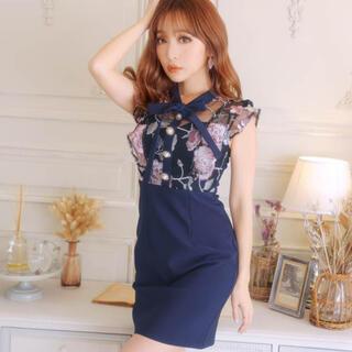 dazzy store - リボン付きフラワー刺繍タイトミニドレス