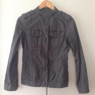 ユニクロ(UNIQLO)のジャケット S 薄手 レディース(その他)