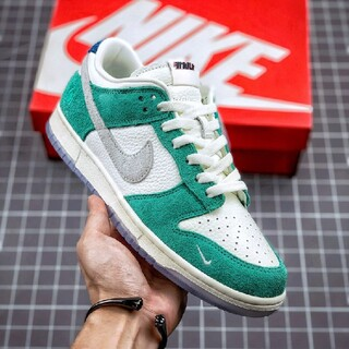 ナイキ(NIKE)のKASINA × NIKE DUNK SB LOW ROAD SIGN(スニーカー)