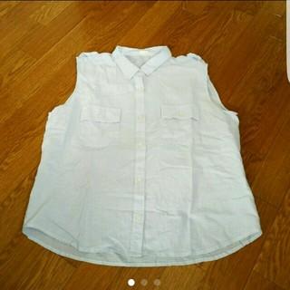 ジーユー(GU)の送料無料 GU ストライプノースリーブシャツ ブルー(シャツ/ブラウス(半袖/袖なし))