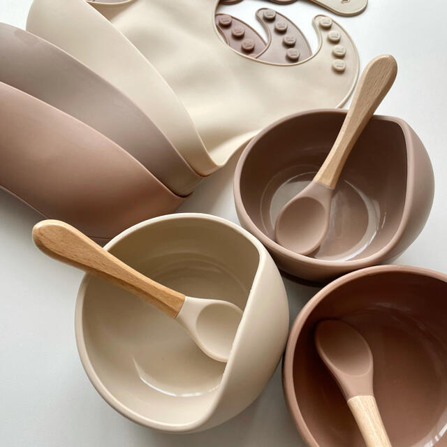BABYBJORN(ベビービョルン)のベビー食器 離乳食 シリコン ビブ スタイ 3点セット キッズ/ベビー/マタニティの授乳/お食事用品(離乳食器セット)の商品写真