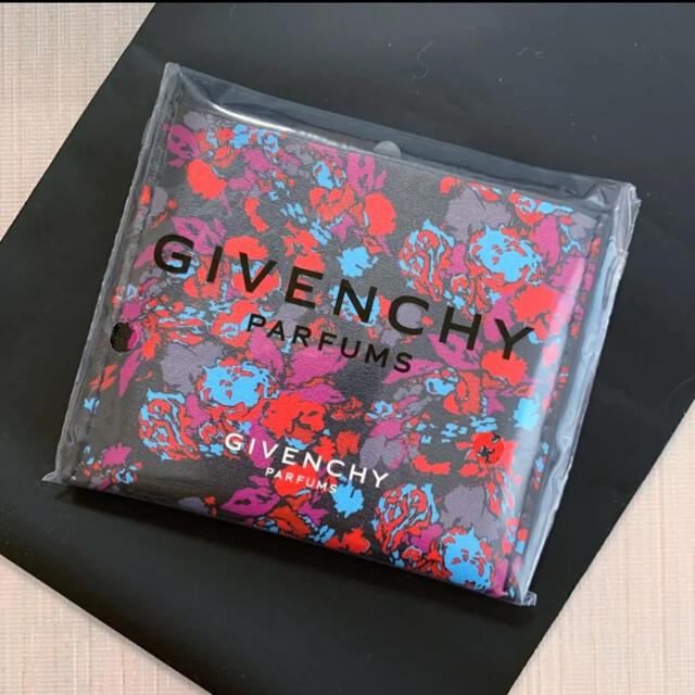 GIVENCHY(ジバンシィ)のジバンシィ GIVENCHY コンパクトミラー 手鏡 ノベルティ 新品未使用 レディースのファッション小物(ミラー)の商品写真