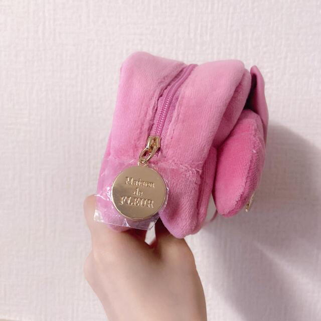 Maison de FLEUR(メゾンドフルール)の【新品未使用】Maison de FLEUR💗サンリオコラボ マイメロポーチ レディースのファッション小物(ポーチ)の商品写真