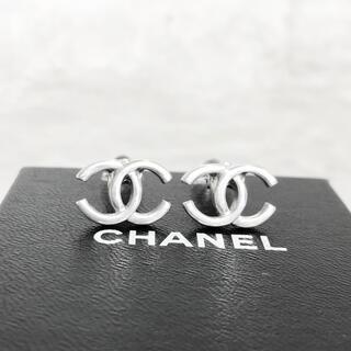 CHANEL - 正規品 シャネル イヤリング シルバー ココマーク 銀 ねじれ ロゴ ピアス
