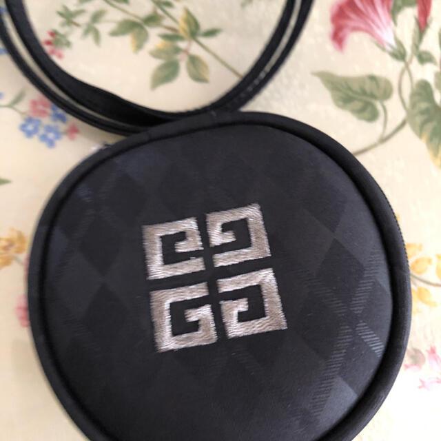 GIVENCHY(ジバンシィ)のジバンシーポーチ‼️新品未使用 レディースのファッション小物(ポーチ)の商品写真