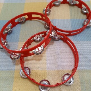 赤いタンバリン3つセット 楽器 打楽器 パーカッション(パーカッション)